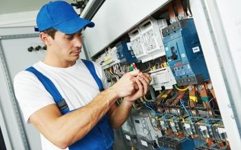 Lad en elektriker udføre el-installationerne i hjemmet