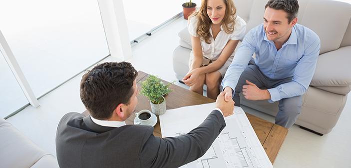 overvejer-du-en-karriere-som-ejendomsmaegler-bredformat-703x336